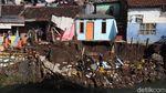 Tanggul di Bandung Ambrol, 3 Rumah Terancam Longsor
