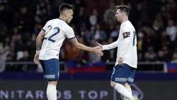 Messi Pinjamkan Gelang Keberuntungan ke Lautaro Martinez