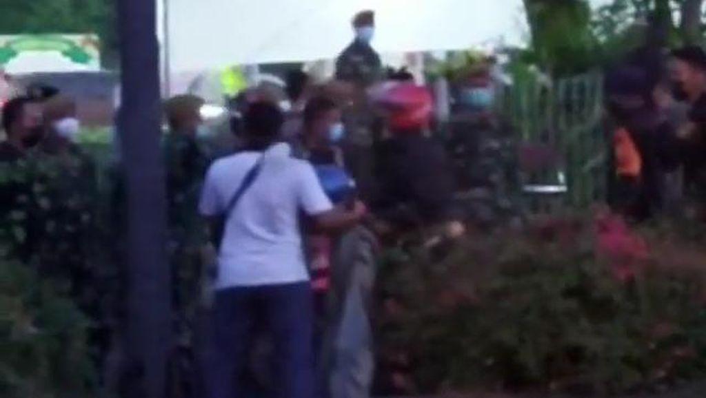Satgas Sebut Pelempar Petasan di Suramadu Dibubarkan Pakai Gas Air Mata