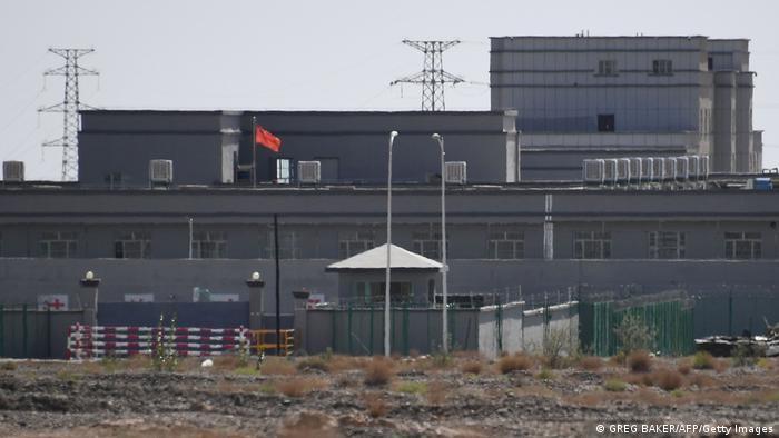Foto: Salah satu kamp reedukasi di utara Kashgar di wilayah Xinjiang barat laut China, yang diyakini sebagai tempat sebagian besar etnis minoritas Muslim ditahan.