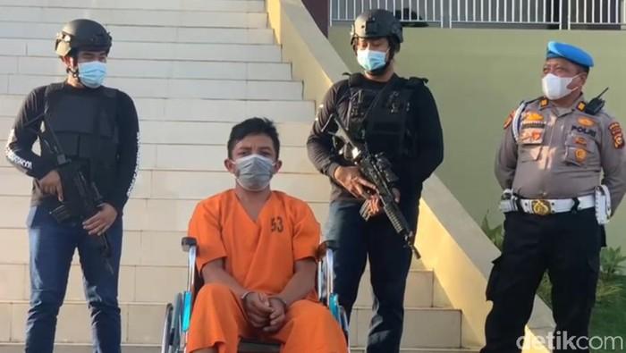 Alex Iskandar, suami pembunuh istri yang tengah hamil hingga dibuang ke septic tank, di Riau