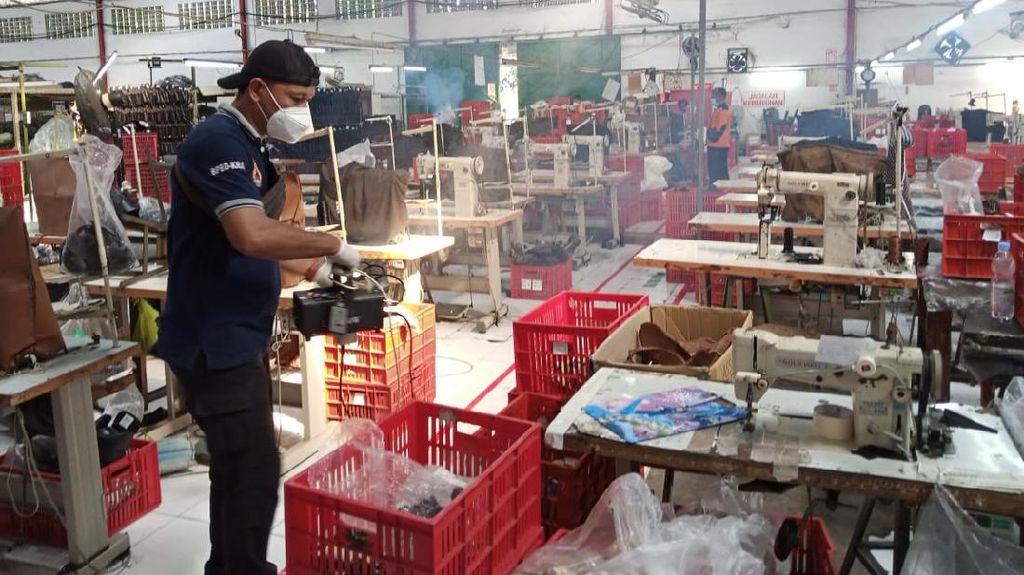 Kasus Corona di Pabrik Sepatu Karanganyar Bertambah Jadi 108 Orang