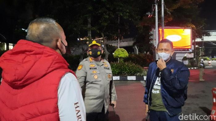 Tim personel gabungan melakukan penyekatan di beberapa Ruas jalan di Palembang. Hal ini dilakukan guna mencegah penyebaran COVID-19.