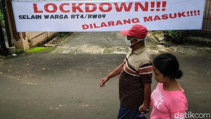 Kasus COVID-19 terus mengalami peningkatan. Untuk mencegah penyebaran virus tersebut, karantina mikro diterapkan di RT 4/9 Kecamatan Pondok Karya, Tangerang Selatan.