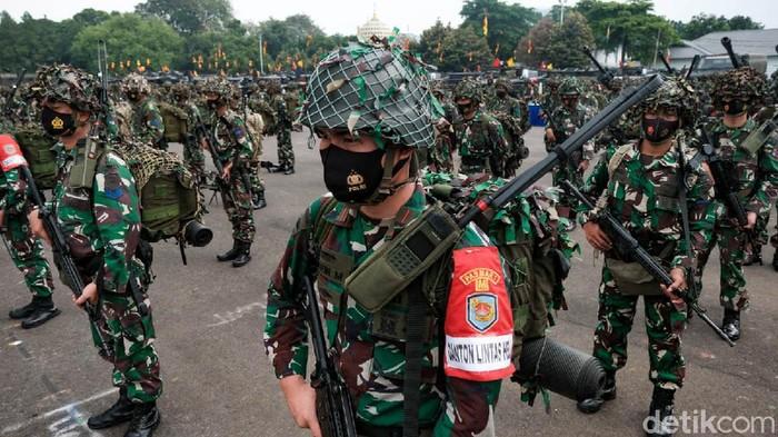 Marinir Gelar Apel Kesiapan Latihan Armada Jaya    Apel gelar pasukan Korps Marinir TNI AL dalam latihan Armada Jaya digelar hari ini. Apel dipimpin Wakil Kepala Staf Angkatan Laut Laksdya Ahmadi Heri Purwono.