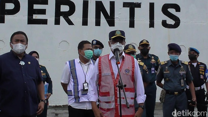 Menhub Budi Karya Sumadi saat meninjau 2 pelabuhan di Gorontalo (Ajis/detikcom).