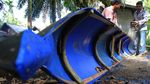 Menyulap Drum Plastik Bekas Menjadi Perahu