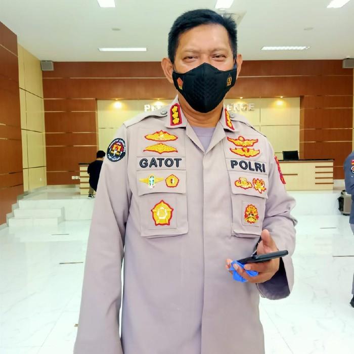 Pos swab antigen di penyekatan Suramadu ditiadakan baik sisi Surabaya maupun sisi Bangkalan. Penyekatan akan bergeser ke zona merah COVID-19 di Bangkalan, Madura.