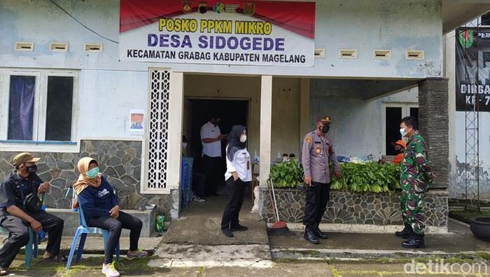 Posko PPKM Mikro Desa Sidogede, Kecamatan Grabag, Kabupaten Magelang, Rabu (23/6/2021).