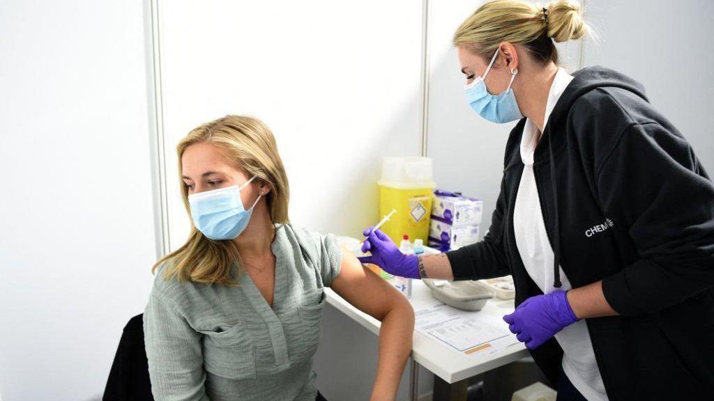 Jerman Izinkan Warga Disuntik Vaksin Corona Beda Merek, Apa Lebih Manjur?
