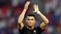 Cristiano Ronaldo Merendah kepada Ali Daei