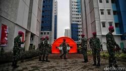 Pemprov DKI Jakarta fungsikan Rusun Nagrak Cilincing, Jakarta Utara, sebagai lokasi isolasi pasien COVID-19 tak bergejala. Begini potret terkininya.
