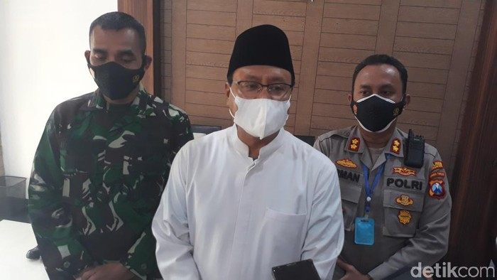 Satgas COVID-19 Kota Pasuruan menyebut ada 14 ASN positif COVID-19. Selain itu, 21 karyawan BPJS Kesehatan juga menjalani isolasi karena virus Corona.