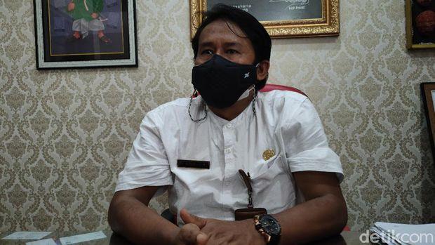 Kepala Dinas Pariwisata Kulon Progo, Joko Mursito saat memberi keterangan pers di kantornya, Rabu (23/6/2021).