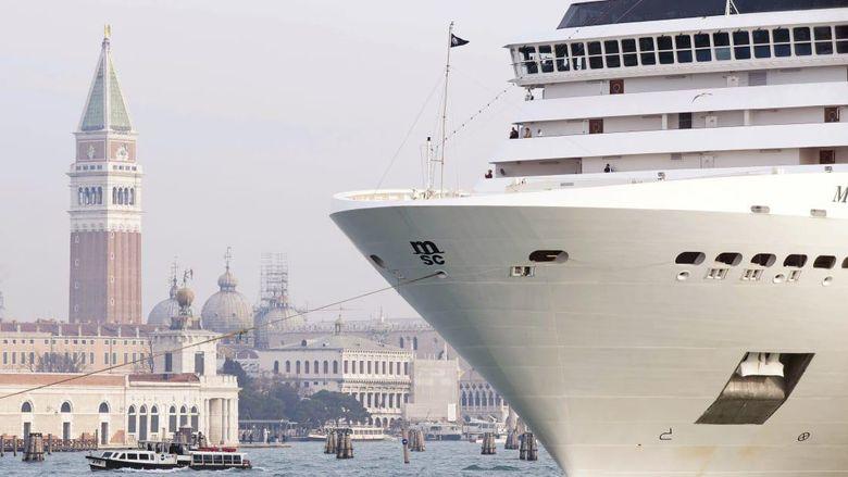 Kapal pesiar di Venesia