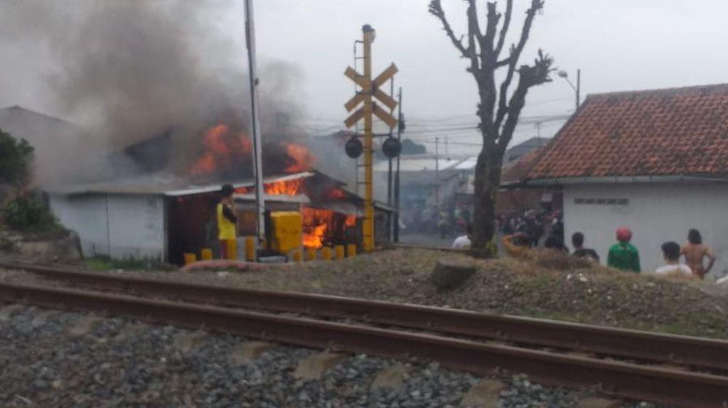 Tabung Gas Meledak, 3 Kios di Bogor Hangus Terbakar