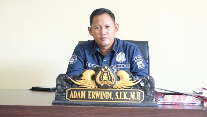 Kabid Humas Polda Papua Barat, Kombes Adam Erwindi