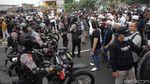Penampakan Kerumunan Pendukung Habib Rizieq di Flyover Pondok Kopi