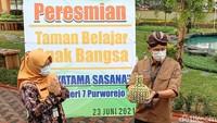 Napak Tilas, Sandiaga Uno Berharap SMA N 7 Purworejo Jadi Obwis Sejarah