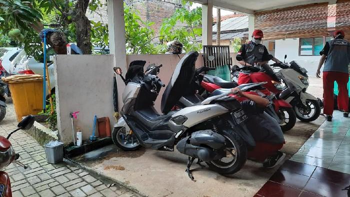 Tips ringan merawat sepeda motor di rumah