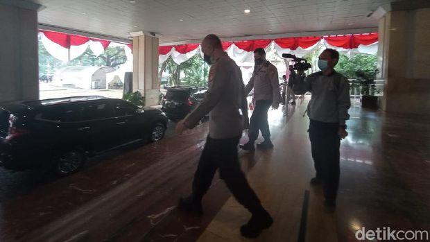 Wakapolda Metro-Pangdam Jaya Merapat ke Balai Kota.