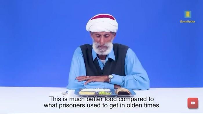Pertama Kali Cicip Makanan Penjara, Begini Reaksi Orang-orang Suku