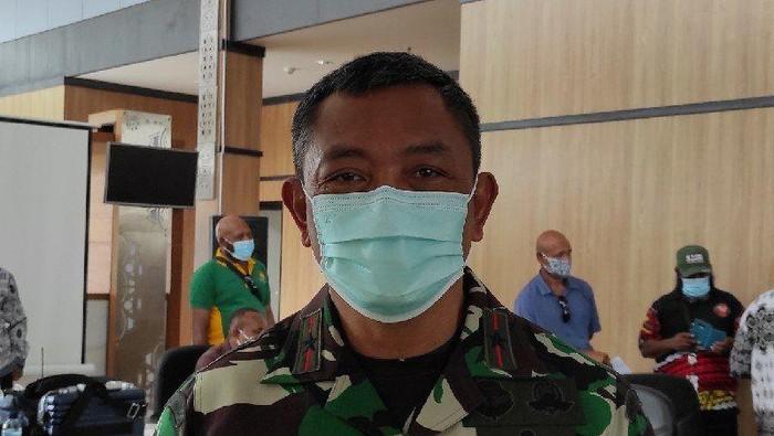 Danrem 172 PWY Brigjen TNI Izak Pangemanan. (ANTARA/Evarukdijati)