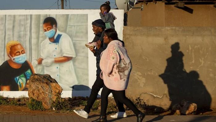 Sejumlah mural memberi pesan kesedihan sekaligus semangat dan pengingat di masa pandemi global. Berikut sejumlah potretnya dari berbagai belahan dunia.