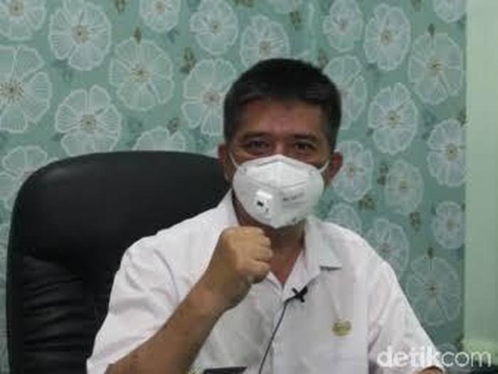 Plt Kepala Dinkes Pemkab Blitar, Miftahul Huda mengatakan, kategori anak dalam catatannya adalah pasien berusia antara 0 sampai di bawah 18 tahun. Jumlah 689 tersebut terdata sejak pandemi melanda Indonesia awal 2020 sampai Juni 2021.