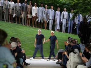 Gelar Show Perdana Sejak Pandemi, Giorgio Armani Isyaratkan Pensiun