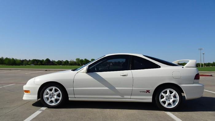 Honda Acura Integra Type R tahun 1998