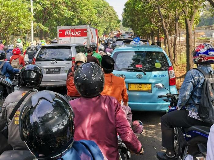 Kemacetan di Jl TB Simatupang, Jaksel