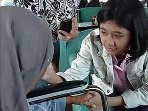 Ibu Nike Ardilla Bertemu Amel yang Viral Mirip Putrinya, Nangis Terharu