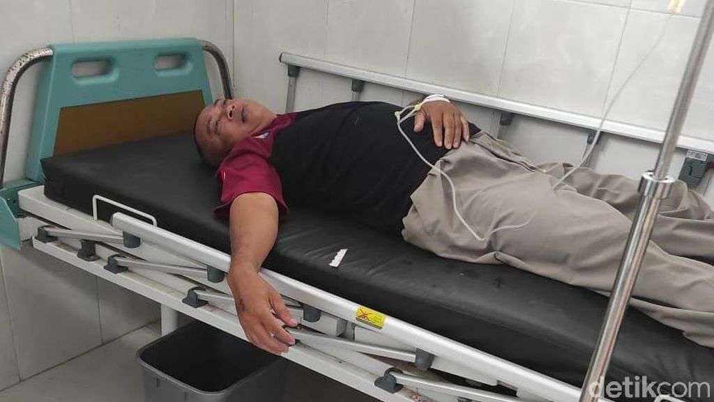Petugas PPKM Mikro di Jember Keracunan Setelah Minum Cairan Disinfektan