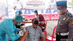 Urus SIM di Banyuwangi Dapat Vaksin Gratis