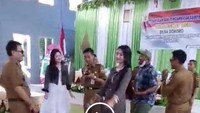 Viral Video Kades Joget Bareng Biduan, Bupati Grobogan: Kurang Ajar!