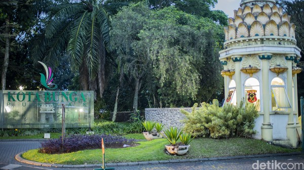 Satu lagi, beberapa turis Arab yang datang ke Cipanas berasal dari Jakarta. Mereka datang ke sana hanya beberapa hari untuk berlibur.