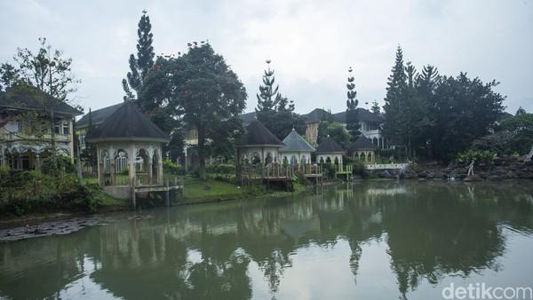 Kesan sepi begitu terasa di sana. Karena hanya satu dua orang Arab yang masih tinggal di Cipanas, Cianjur.