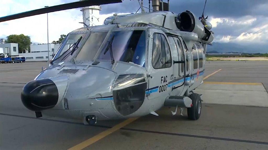 Helikopter Presiden Kolombia Bolong-bolong Usai Diberondong Tembakan