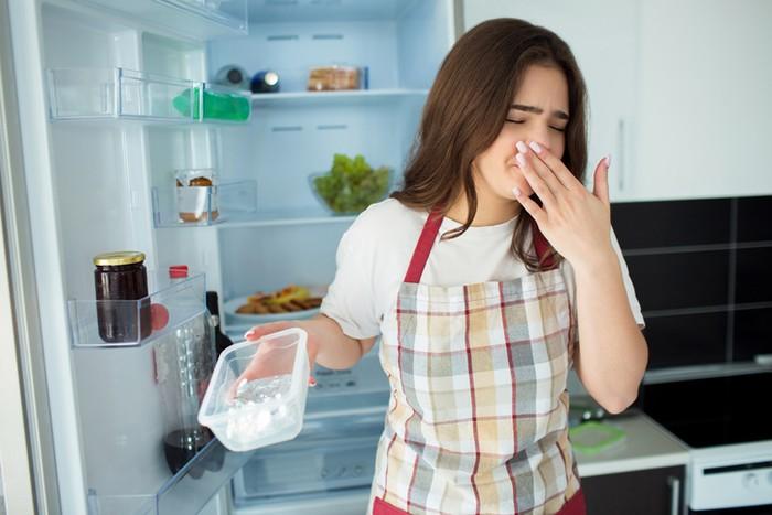 Kamu Merasa Makanan 'Rasa Kulkas'? Ternyata Ini Penyebabnya