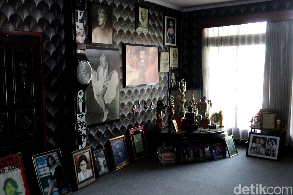 Mengunjungi Museum Nike Ardilla di Bandung
