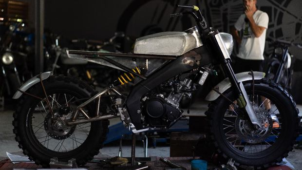 Deus Ex Machina XSR 155