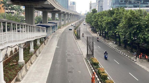 Lengangnya Jalan HR Rasuna Said, Kuningan, Jakarta Selatan, Minggu (27/6/2021).