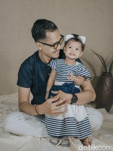 Kisah Anggun Wahyuni yang negatif Corona, merawat anaknya yang positif.