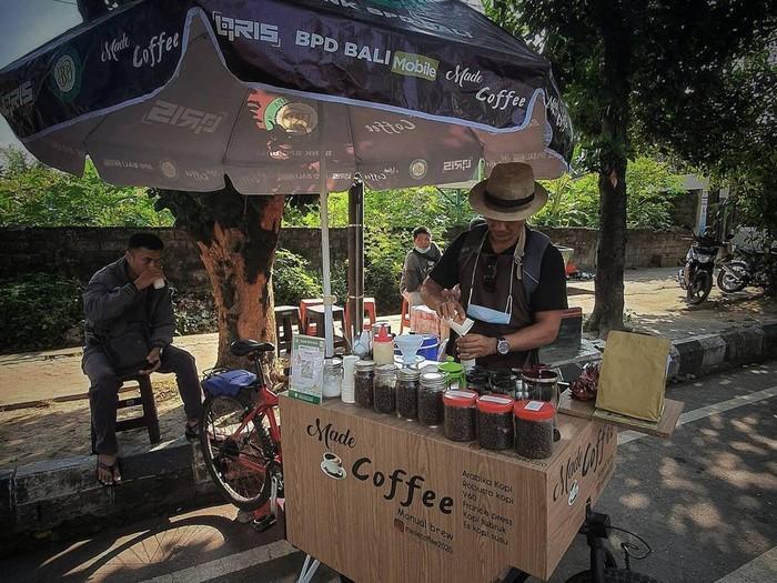 Sepi Wisatawan, Pemandu Wisata di Bali Ini Jalani Bisnis Kopi Keliling pakai Sepeda