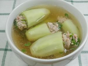 Resep Sup Timun Isi Ayam Cincang yang Gurih Segar