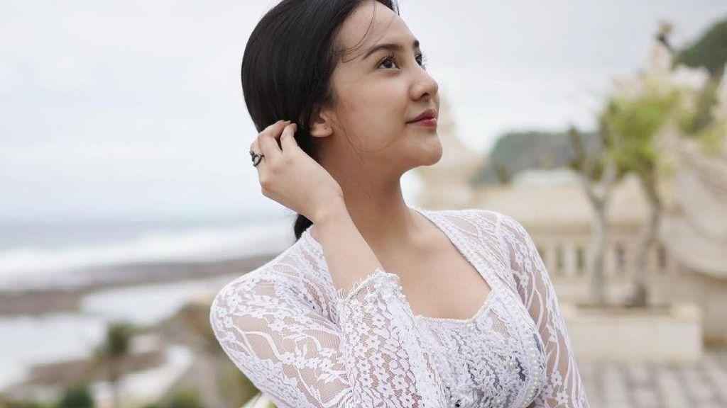 Anya Geraldine Pamer Foto Pakai Bikini, Netizen Malah Salfok Sama Tatonya