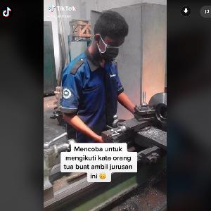 Kisah Viral Lulusan SMK Otomotif yang Ditentang Ortu Jadi Desainer Fashion