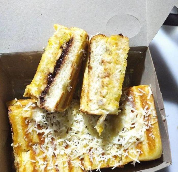 Food spot Roti Bakar Bandung