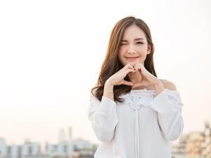 Mau Tampil Girly ala Cewek Korea? Begini Tips Padu Padannya!
